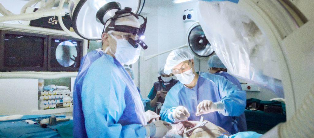 Операция в отделении кардиохирургии